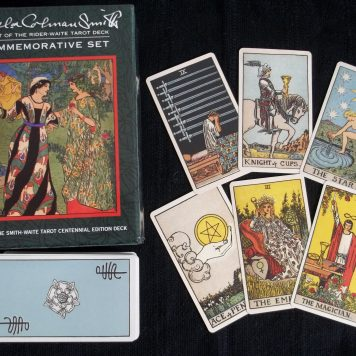 Divination Materials